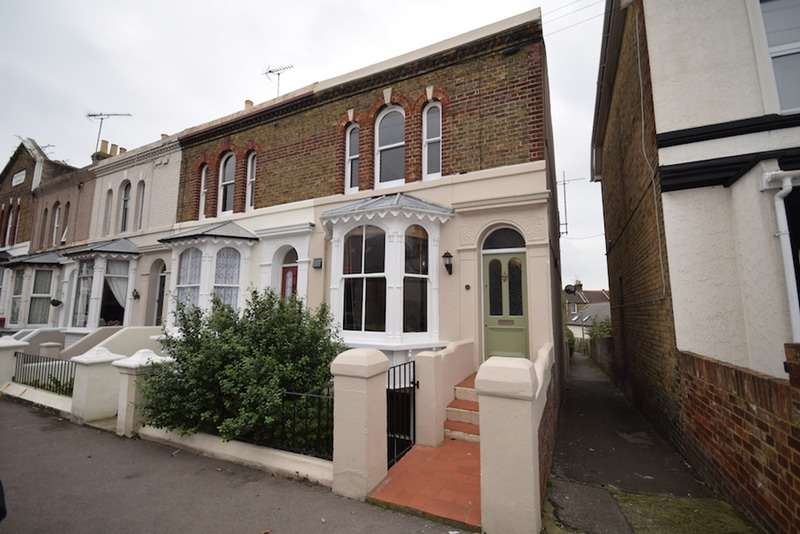4 Bedrooms End Of Terrace House for sale in South Eastern Road, Ramsgate, Kent, CT11