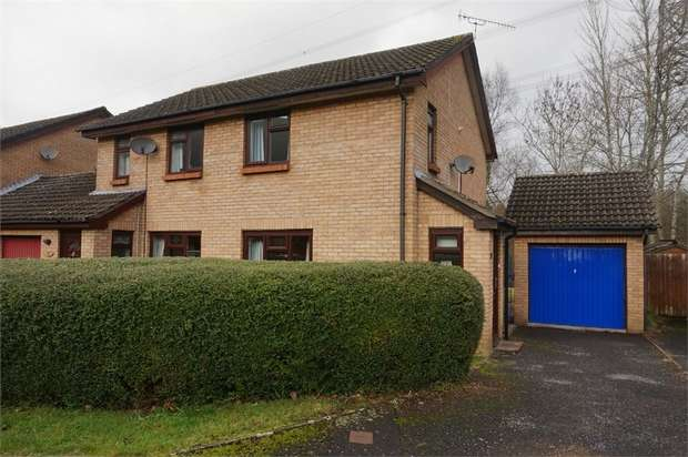 2 Bedrooms Semi Detached House for sale in Briardene, Llanfoist, ABERGAVENNY, Monmouthshire