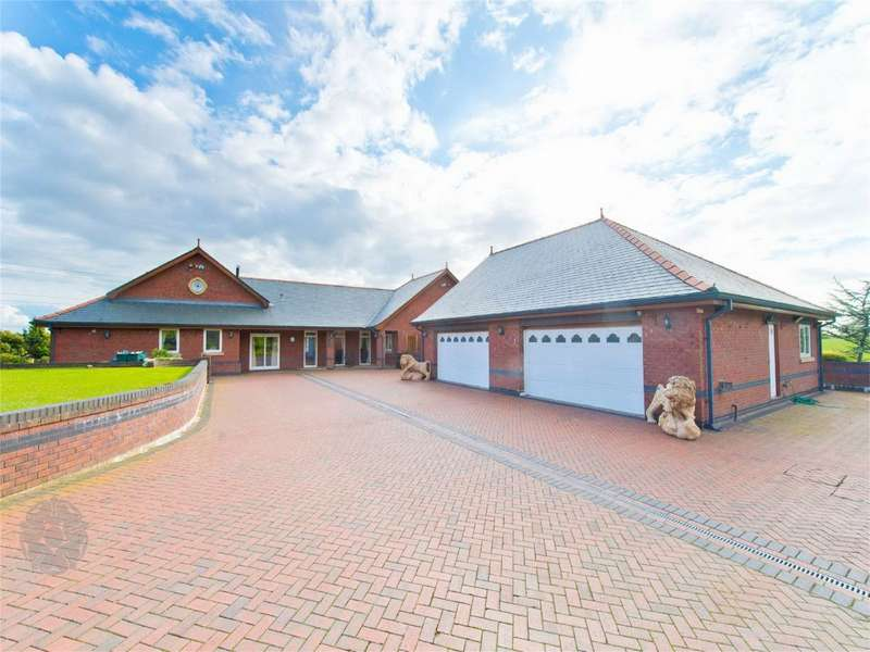 5 Bedrooms Detached House for sale in Stoney Bank, Sandy Lane, Brindle, Chorley, Lancashire