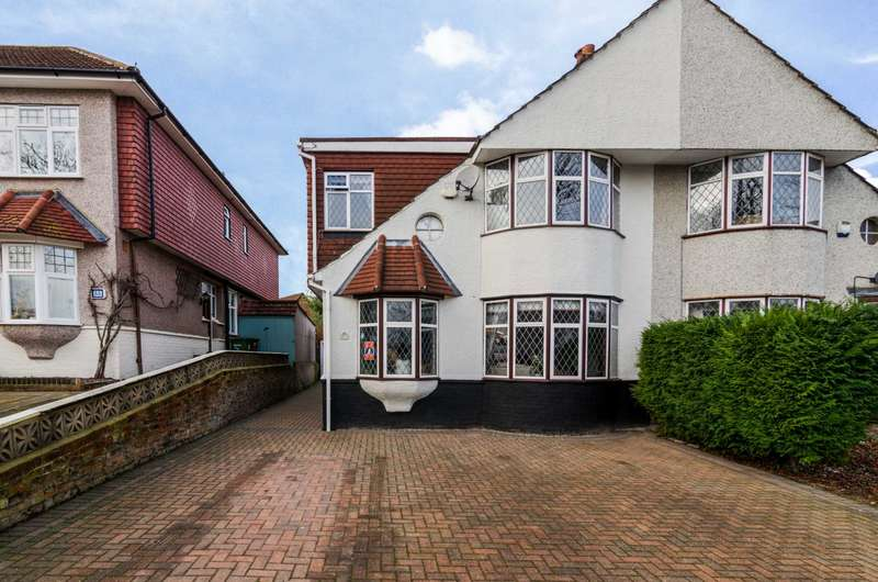 4 Bedrooms Semi Detached House for sale in Marlborough Park Avenue, Sidcup, DA15 9DL