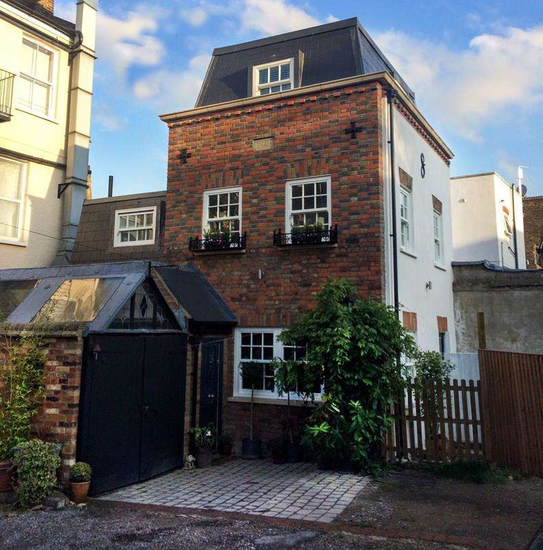 4 Bedrooms Detached House for sale in Bridle Mews, Barnet
