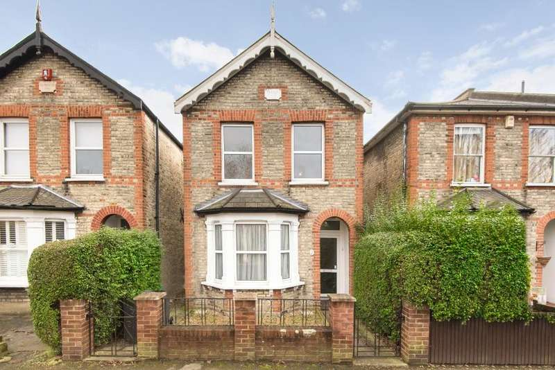 3 Bedrooms Detached House for sale in Gordon Road, Kingston upon Thames, KT2