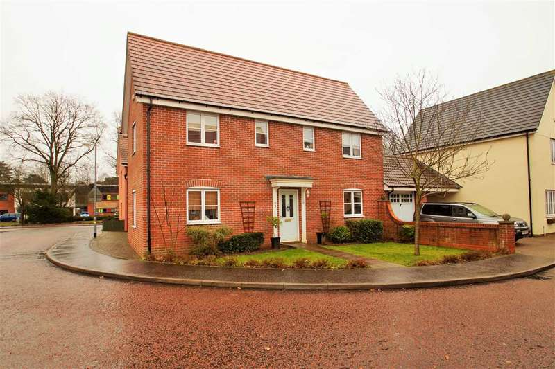 4 Bedrooms Detached House for sale in Whitebeam Close, Mile End, Colchester