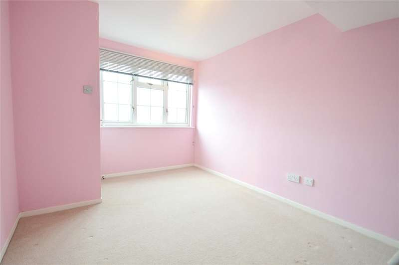 3 Bedrooms Terraced House for sale in Capri Road, Addiscombe