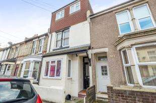 1 Bedroom Flat for sale in Balmoral Road, Gillingham, Kent, .