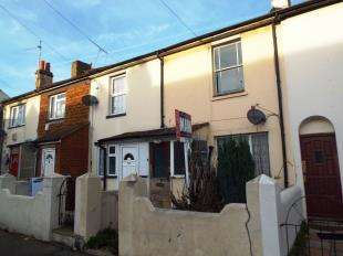2 Bedrooms Terraced House for sale in Trafalgar Street, Gillingham, Kent