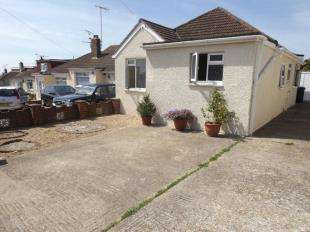4 Bedrooms Bungalow for sale in Sedbury Road, Sompting, Lancing, West Sussex