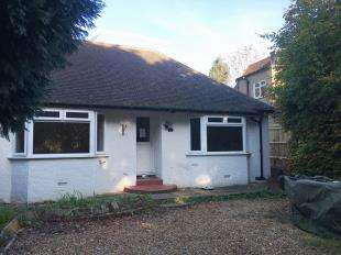 3 Bedrooms Bungalow for sale in High Street, Findon, Worthing