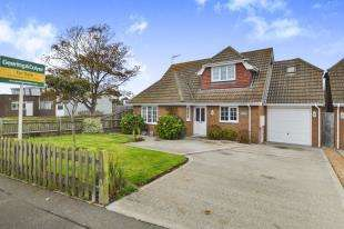 4 Bedrooms Detached House for sale in Harden Road, Lydd, Romney Marsh, Kent