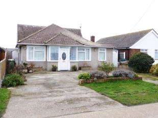 4 Bedrooms Bungalow for sale in Taylor Road, Lydd on Sea, Romney Marsh, Kent