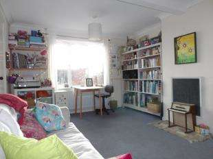 2 Bedrooms Semi Detached House for sale in Western Road, Newhaven, East Sussex