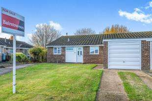 2 Bedrooms Bungalow for sale in Conway Close, Strood, Rochester, Kent