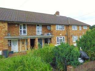 2 Bedrooms Maisonette Flat for sale in Chamberlain Crescent, West Wickham