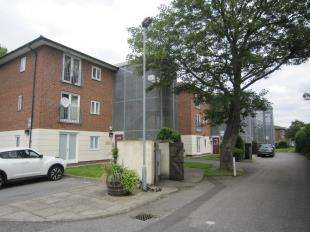 2 Bedrooms Flat for sale in Abel House, Plumstead Road, London