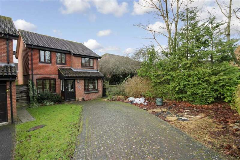 3 Bedrooms Property for sale in Maldwyn Close, Middleleaze, Swindon