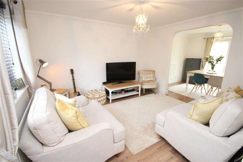 3 Bedrooms Property for sale in Portland Avenue, Old Town, Swindon