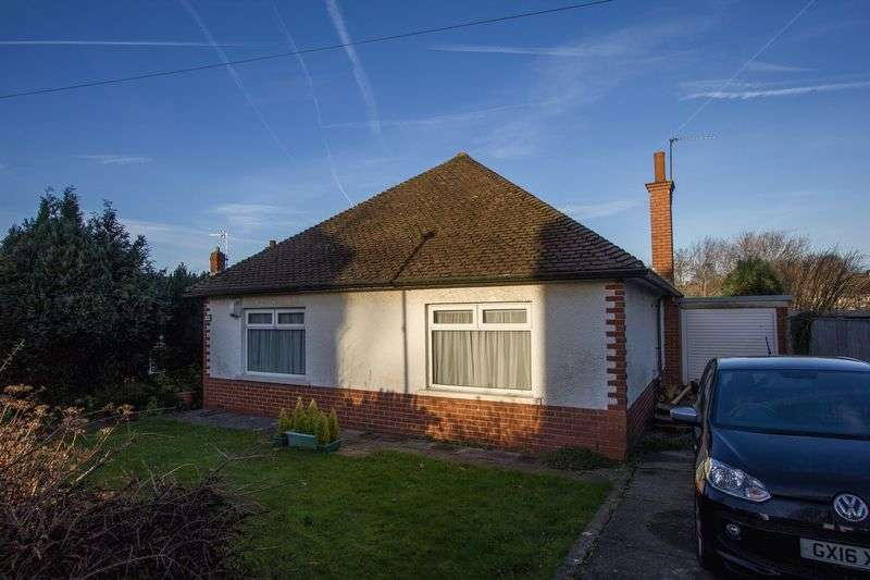2 Bedrooms Detached Bungalow for sale in Fairfield Road, Penarth