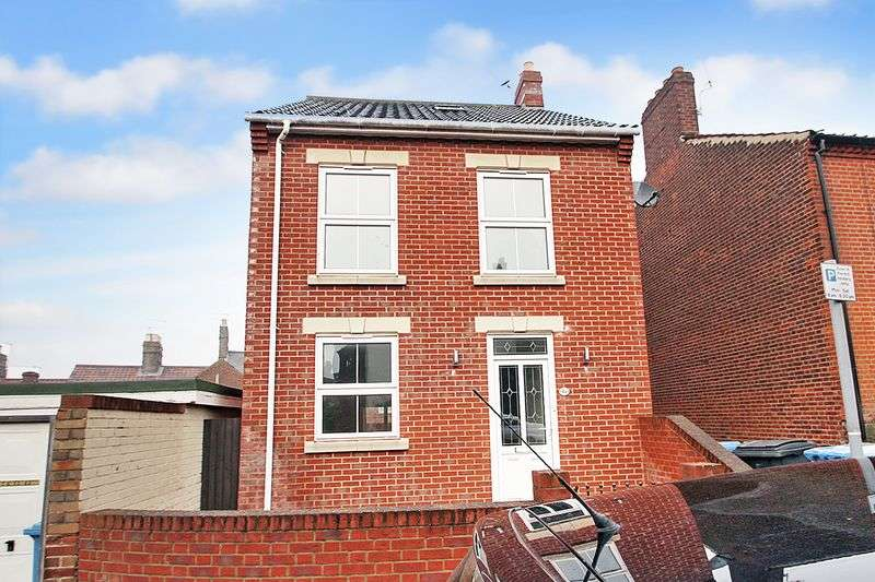 3 Bedrooms Detached House for sale in Northcote Road, Norwich