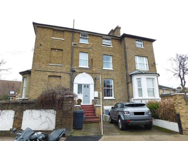 1 Bedroom Flat for sale in Denmark Road, Kingston Upon Thames