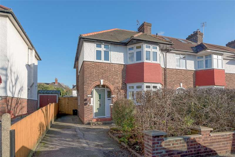 3 Bedrooms Semi Detached House for sale in Tilehurst Road, London, SW18