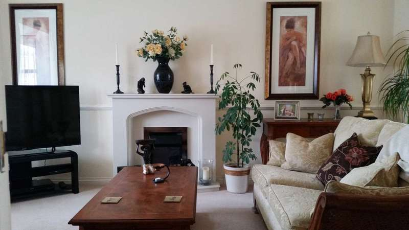4 Bedrooms Detached House for sale in Fairfields, Gravesend