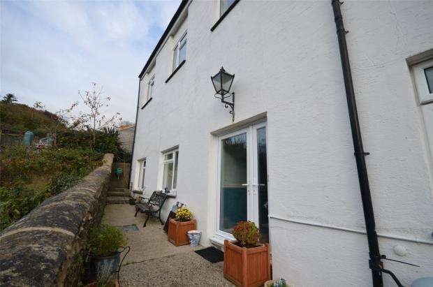 2 Bedrooms Flat for sale in Tor View, 18 East Street, Bovey Tracey, Devon