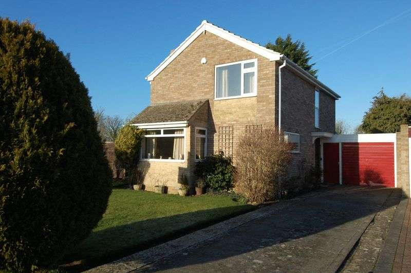 3 Bedrooms Detached House for sale in KIDLINGTON -