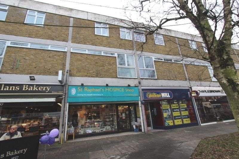 3 Bedrooms Flat for sale in High Street, Banstead, Surrey