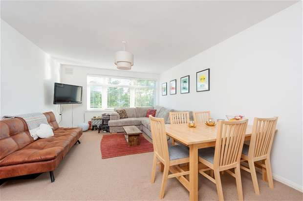 1 Bedroom Flat for sale in Fenwick Road, Peckham Rye
