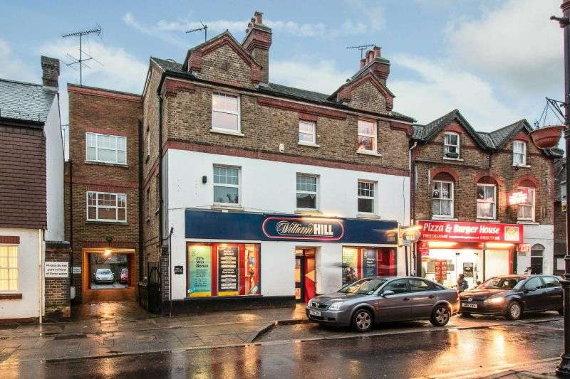 2 Bedrooms Flat for sale in High Street, Rickmansworth, Hertfordshire WD3 1BA