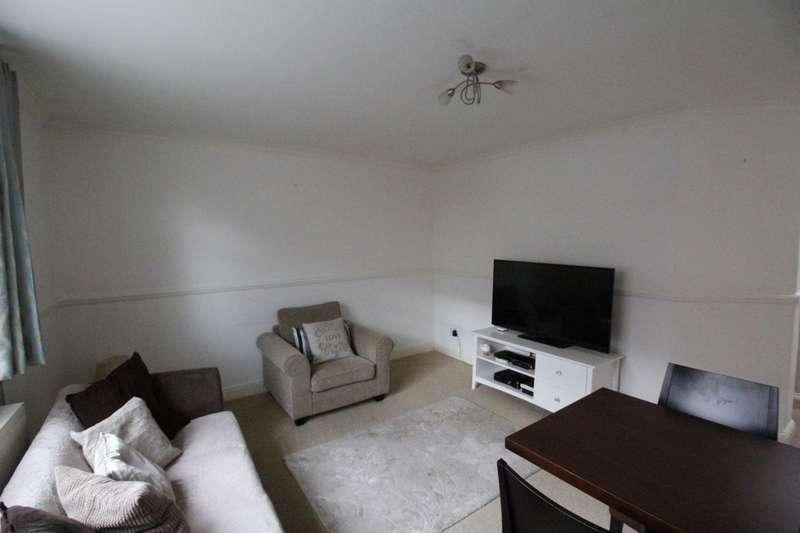 1 Bedroom Flat for sale in High Street, Hampton Hill, Hampton, TW12