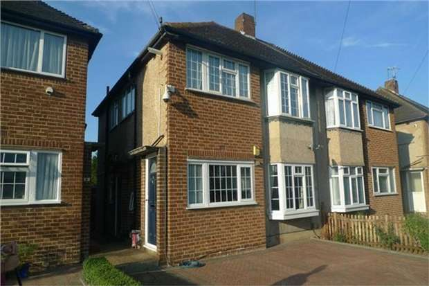 2 Bedrooms Maisonette Flat for sale in Warren Road, Twickenham