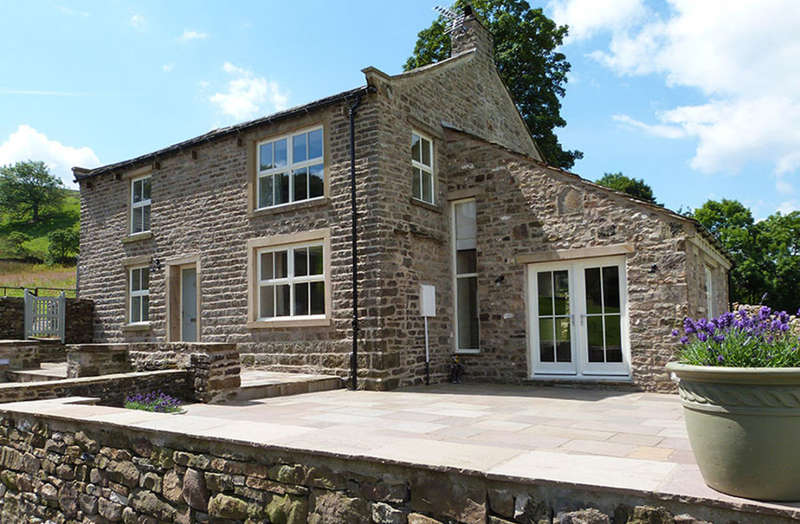 3 Bedrooms Detached House for sale in Throstle Nest House, Low Row, Swaledale