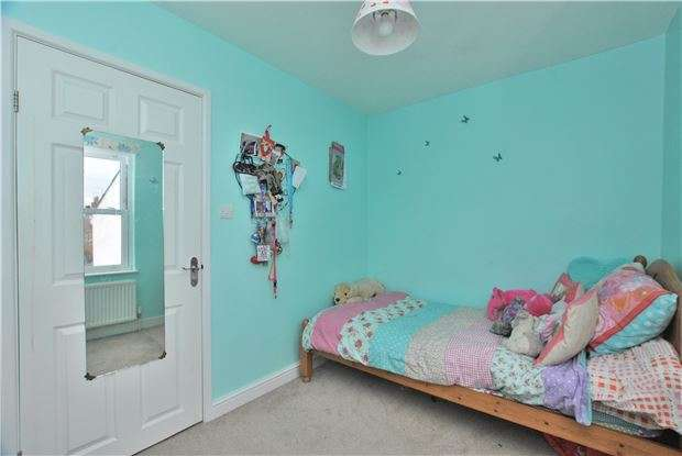 3 Bedrooms Terraced House for sale in St. Philips Street, LECKHAMPTON, GL50 2BP
