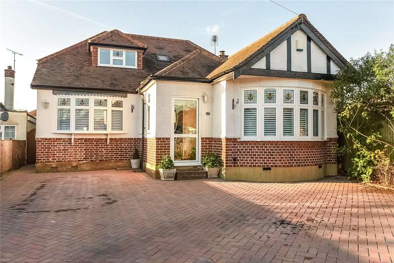 4 Bedrooms Detached Bungalow for sale in Ellesmere Close, Ruislip, Middlesex, HA4