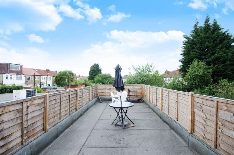 3 Bedrooms Flat for sale in Streatham Vale, Streatham Vale, SW16