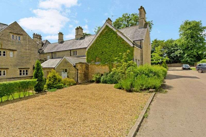 2 Bedrooms Flat for sale in Stocken Hall, Stretton, Oakham, Rutland