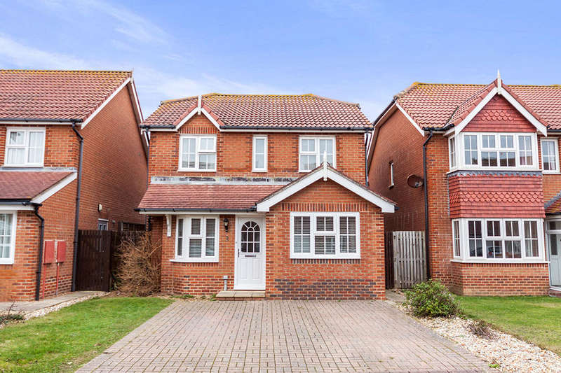 4 Bedrooms Detached House for sale in Cabot Close, Eastbourne, BN23