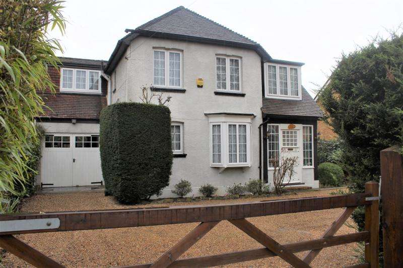 4 Bedrooms Detached House for sale in Rambler Lane