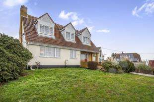 3 Bedrooms Detached House for sale in Sea Approach, Warden, Sheerness, Kent