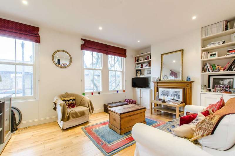 3 Bedrooms Flat for sale in Dalyell Road, Brixton, SW9