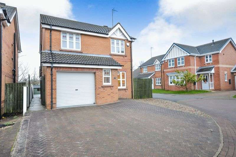 3 Bedrooms Detached House for sale in Yew Tree Close, Thurcroft, Rotherham