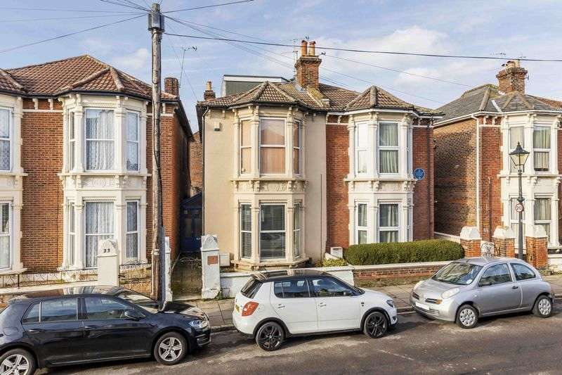 2 Bedrooms Flat for sale in Worthing Road, Southsea