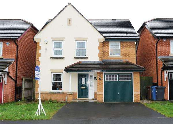 4 Bedrooms Detached House for sale in 61 Dean Road, Cadishead, M44 5AJ