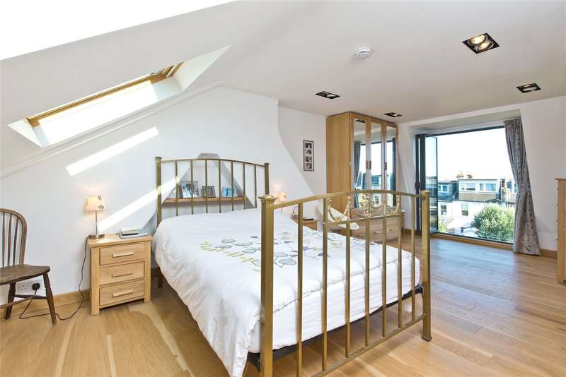 2 Bedrooms Maisonette Flat for sale in Engadine Street, London, SW18