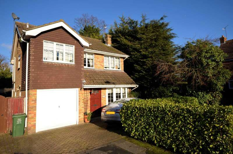 4 Bedrooms Detached House for sale in Hillhouse Close, Billericay
