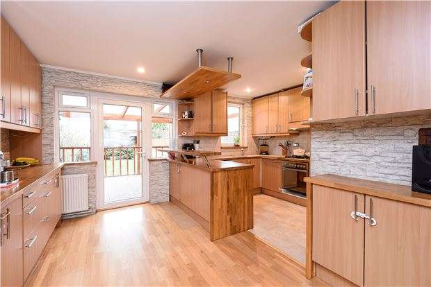 3 Bedrooms Terraced House for sale in Hassocks Road, LONDON, SW16