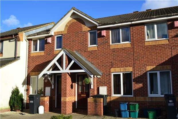 2 Bedrooms Terraced House for sale in Kelvin Gardens, CROYDON, CR0 4US