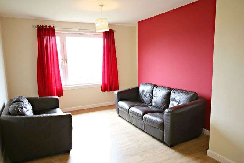3 Bedrooms Flat for sale in Tullideph Road, Dundee DD2 2DF
