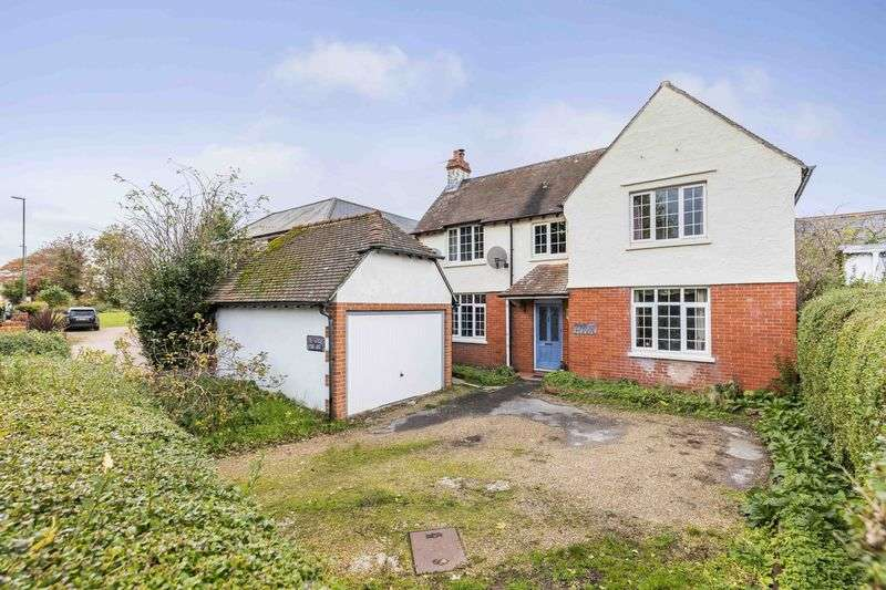 4 Bedrooms Detached House for sale in Main Road, Nutbourne